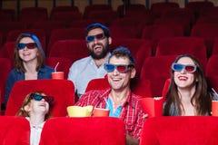 As emoções do pessoa no cinema Fotos de Stock Royalty Free