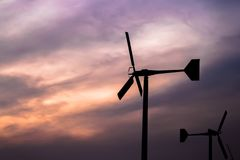 As energias eólicas são eletricidade limpa Derivado das turbinas eólicas Fotos de Stock Royalty Free