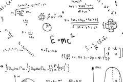 As equações da matemática entregam escrevem fórmulas e cálculos científicos na física e na matemática no branco imagens de stock