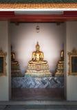 As esculturas bonitas de buddha em Wat Po em Tailândia Fotografia de Stock Royalty Free