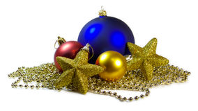 As esferas e as estrelas de Cristmas isolaram-se Fotografia de Stock Royalty Free