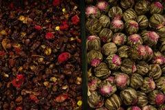 As especiarias estão na loja, textura multi-colorida fotografia de stock
