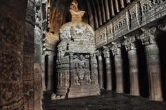 As estátuas cavam complexos do templo de Ajanta e de Ellora fotografia de stock