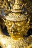 As estátuas da serpente de luta do naga de Krut, um budista tailandês adaptam-se Fotografia de Stock Royalty Free