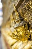 As estátuas da serpente de luta do naga de Krut, um budista tailandês adaptam-se Fotografia de Stock