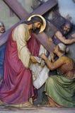 as 6as estações da cruz, Veronica limpam a cara de Jesus imagem de stock