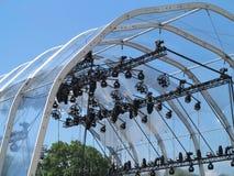 As estruturas da iluminação de fase iluminam o equipamento e os projetores Fotografia de Stock
