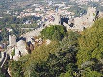 As etapas no amarram o castelo, Sintra, Portugal imagem de stock