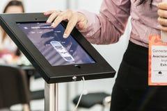 As exibições na exposição dedicada às tecnologias relacionaram-se Fotos de Stock
