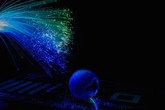 As fibras óticas iluminam o fundo abstrato, fundo ótico da fibra fotos de stock