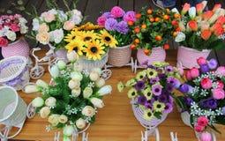 As flores bonitas no florista Fotografia de Stock