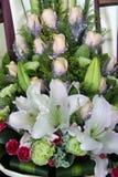 As flores bonitas no florista Imagens de Stock Royalty Free