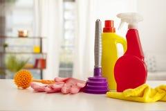 As fontes de limpeza na casa Foto de Stock