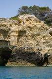 As formações de rocha bonitas no Algarve costeiam, Portugal Imagens de Stock Royalty Free
