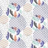 As formas geométricas abstratas pontilhadas e as folhas listradas circundam o teste padrão do vetor Imagens de Stock Royalty Free