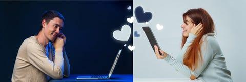 As fotos dos homens e das mulheres comunicam um com o otro em linha através de um portátil e de uma tabuleta imagem de stock