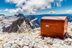 As Gialle-dolomites de Fiamme acampar, Itália, Europa imagem de stock royalty free