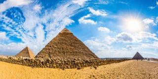 As grandes pirâmides de Giza, Egito fotografia de stock royalty free