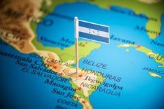 As Honduras identificaram por meio de uma bandeira no mapa fotos de stock royalty free