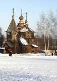 As igrejas de madeira fora de Rússia Imagem de Stock