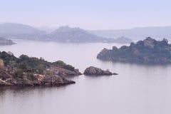 As ilhas no lago victoria perto da cidade de Mwanza, Tanzânia fotos de stock royalty free