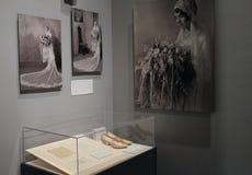 As imagens históricas da noiva nova e do casamento attire, instituto de Albany da história e arte, New York, 2016 fotos de stock royalty free