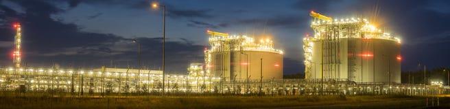 As instalações complexas terminais de GNL para a transmissão e o armazenamento de GNL do gás Fotografia de Stock
