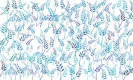 As lâminas de folha são empilhadas Fundo branco azulado fotografia de stock