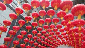 As lanternas vermelhas dão a energia da riqueza Imagem de Stock