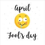 As letras amarelas de sorriso da lupulagem da cara e da cor fraseiam o cartão do dia dos enganados, ilustração Imagem de Stock