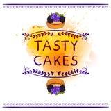 As letras escritas à mão do ` saboroso dos bolos com a baga tirada mão endurecem Vinhetas do VETOR Linhas roxas no amarelo Fotos de Stock