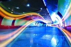 As linhas coloridas claras brilhantes da canaleta interna Fotos de Stock