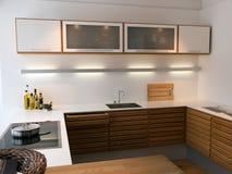 As linhas limpas na moda modernas projetam a cozinha de madeira Imagens de Stock Royalty Free