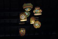 As luzes coloridas decoram a sala fotografia de stock royalty free