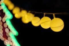 As luzes do festival fazem povos felizes Fotografia de Stock Royalty Free