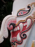 As máscaras da escultura do monstro mostram no museu de arte popular do folclore de PHI-TA-KHON Foto de Stock Royalty Free