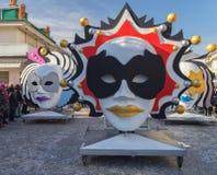 As máscaras, o coração do carnaval de Viareggio, Toscânia, Itália foto de stock