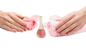 As mãos bonitas das mulheres Imagens de Stock Royalty Free