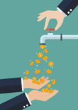 As mãos estão levando as moedas que caem fora da torneira de água Fotografia de Stock Royalty Free