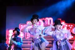 As meninas bonitas do Liberdade-jazz ucraniano da faixa de Kiev executam em Dnepropetrovsk Competição de música de Eurovision 201 fotos de stock royalty free