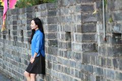 As meninas chinesas asiáticas vestem a roupa do estudante na República da China Fotografia de Stock Royalty Free