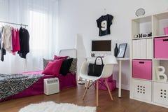 As meninas querem ter o divertimento e a sala como aquele Imagem de Stock