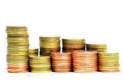 As moedas douradas fecham-se acima do fundo Imagem de Stock