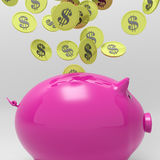 As moedas que inscrevem Piggybank mostram a economia do dinheiro Fotografia de Stock