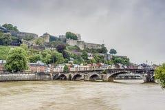As molduras constroem uma ponte sobre em Namur, Bélgica Fotografia de Stock