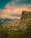 As montanhas ajardinam com ponto de vista de Dalsnibba, Noruega imagens de stock