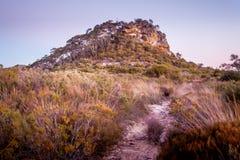 As montanhas azuis dos pináculos foto de stock