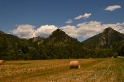 As montanhas céu feno Foto de Stock Royalty Free