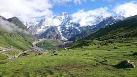 As montanhas chamam-nos todas as vezes fotografia de stock