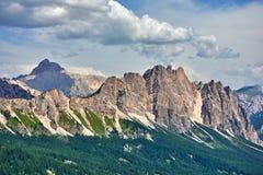As montanhas da dolomite aproximam o ` Ampezzo da cortina d Montanha de Pomagagnon imagens de stock